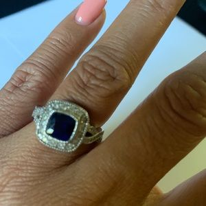 Jewelry - Sapphire/white gold ring